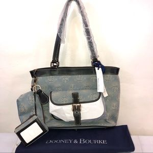 Tote Dooney & Bourke NWT East West Authentic Bag